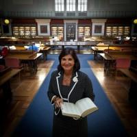 Entrevista a Glòria Pérez-Salmerón, ex Directora de la Biblioteca Nacional de España