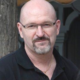 Entrevista a Esteban Navarro, escritor