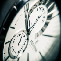 La indicación de las horas en el texto