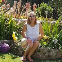 Encuentro con Dina Furceanu, escritora de Puedo leer tu mente