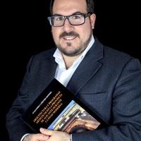 Alejandro Cañestro Doctor en Historia de Arte y profesor