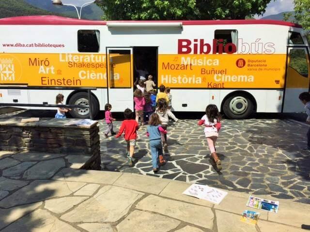 Juan Miguel Montes auxiliar en Bibliobús en Barcelona