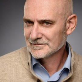 Entrevista a Francisco Veiga profesor de Universidad y escritor